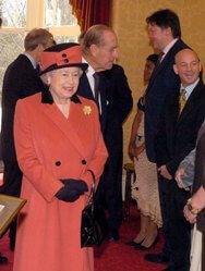 Steven Vokins meets Queen Elizabeth II