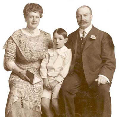 William H Vokins family photo 1912