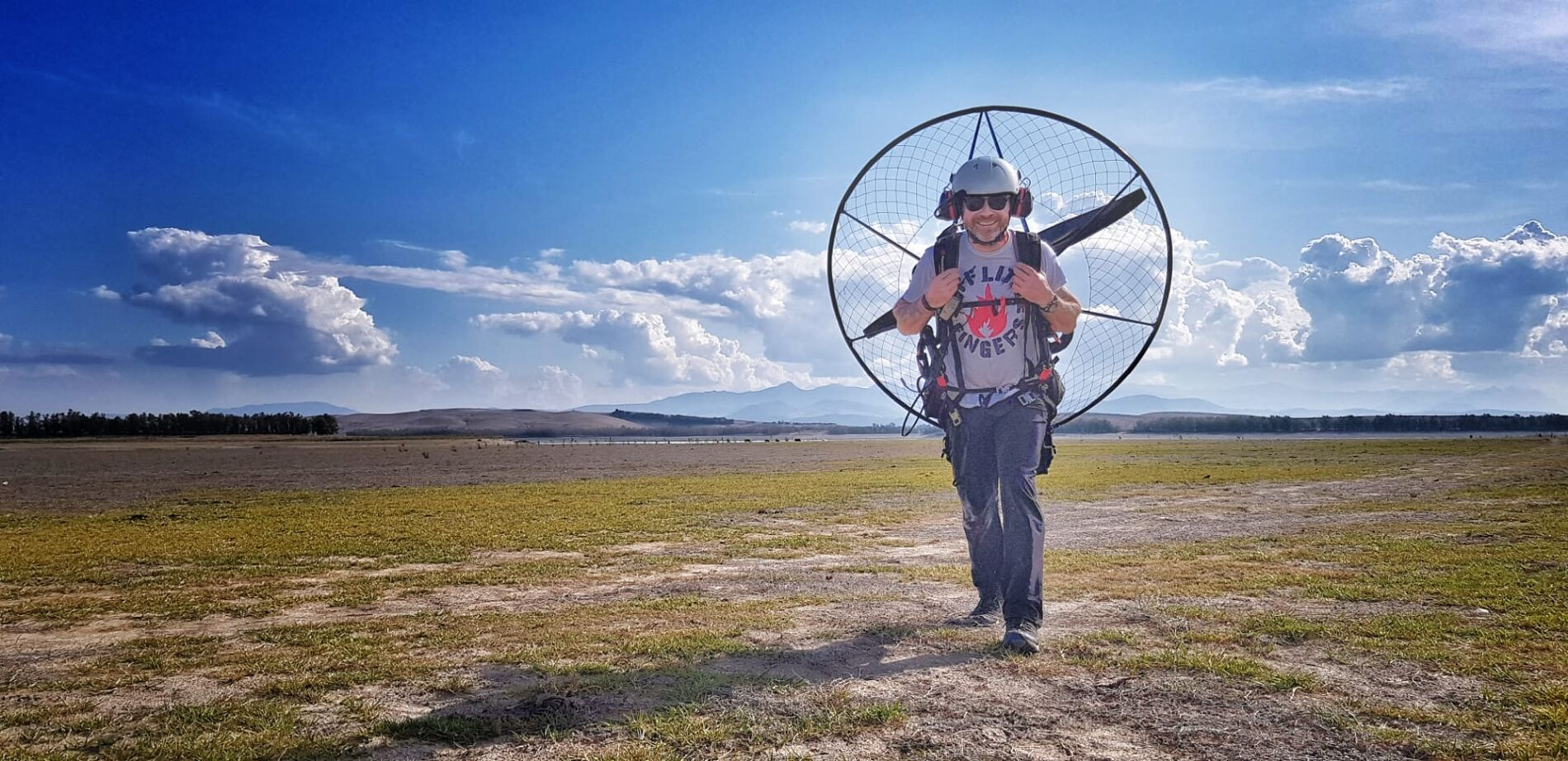 Looking for Summer Paramotoring tuition courses and Lessons