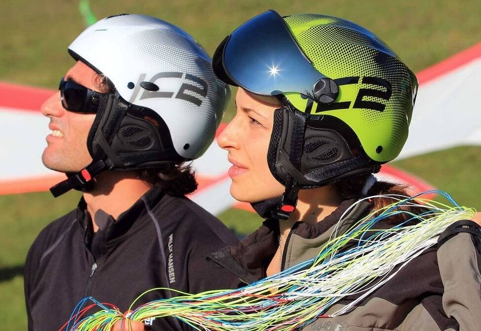 Icaro Nerv paragliding helmet with true Italian styling available from FlySpain