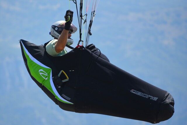 New Ozone Forza Pod XC paragliding Harness for aspiring Xc pilots available  at our FlySpain shop or for UK delivery