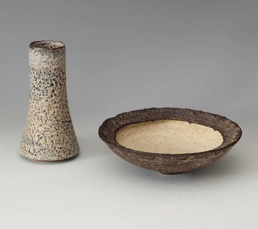 Deirdre Burnett single rim Ceramic Bowl & Flask form