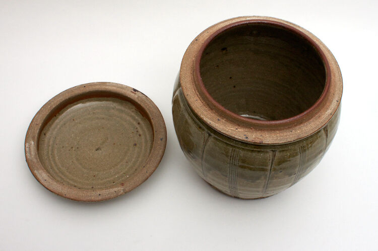 Mike Dodd Large Ceramic Jar 001