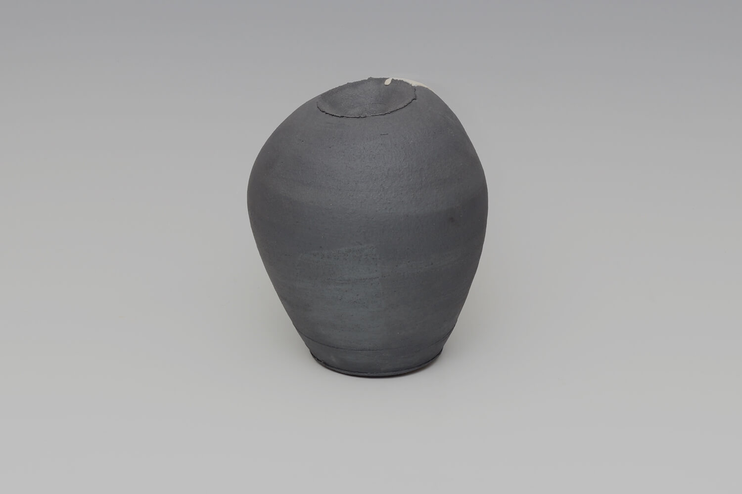 Dan Kelly Ceramic Vessel 57